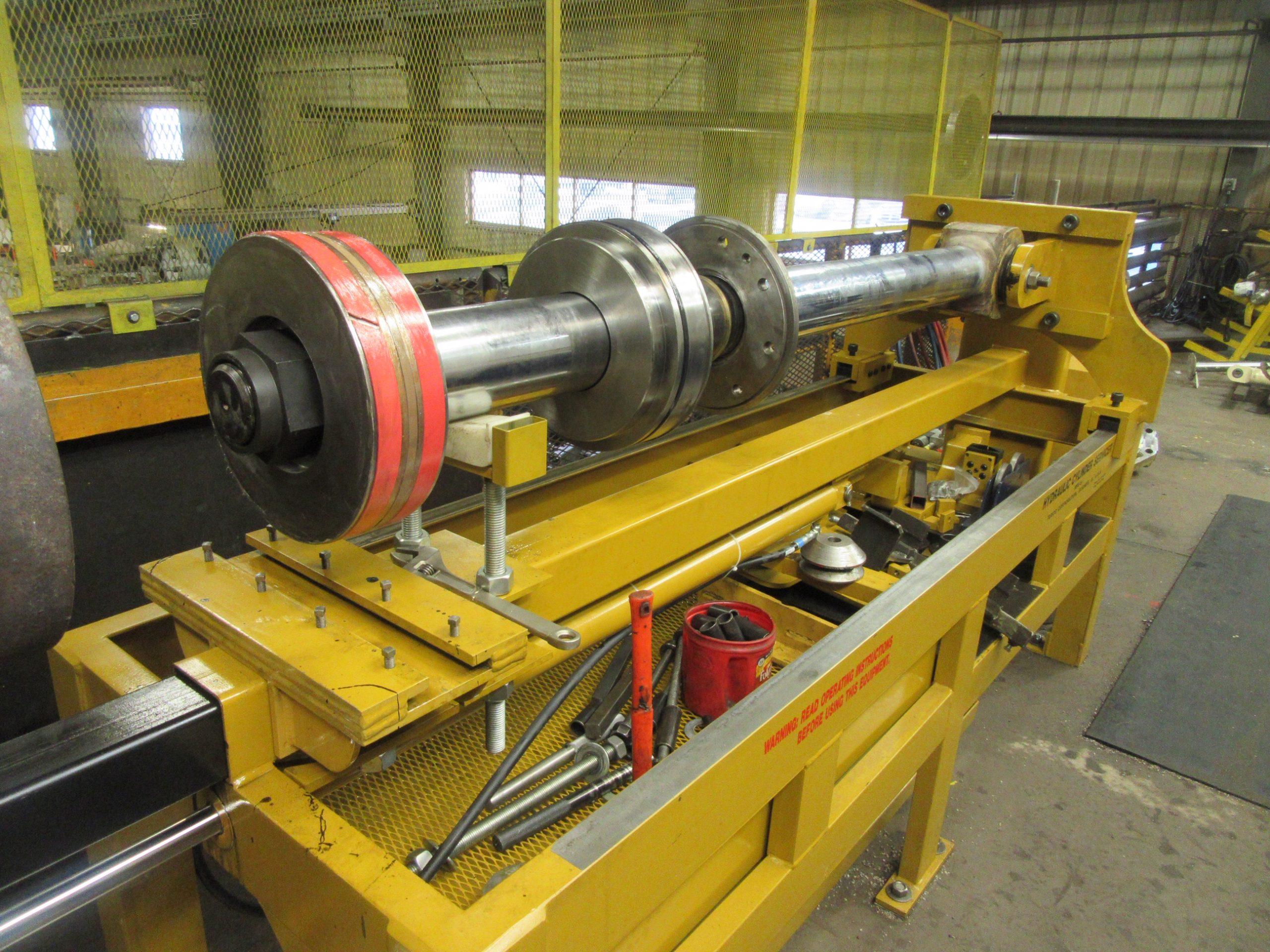Hydraulic stripper use on pot hauler 12 inch cylinders