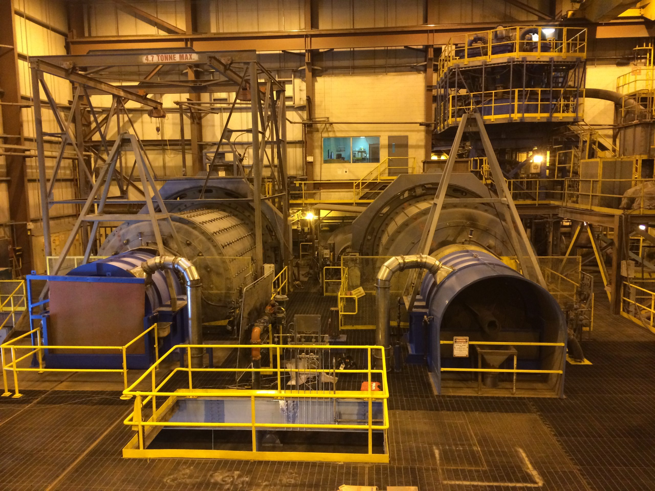 Rector replaced all structural steel, catwalks, guardrails, ducting and provided a complete reline of rod and ball mills at a Newmont operation in Northern Ontario