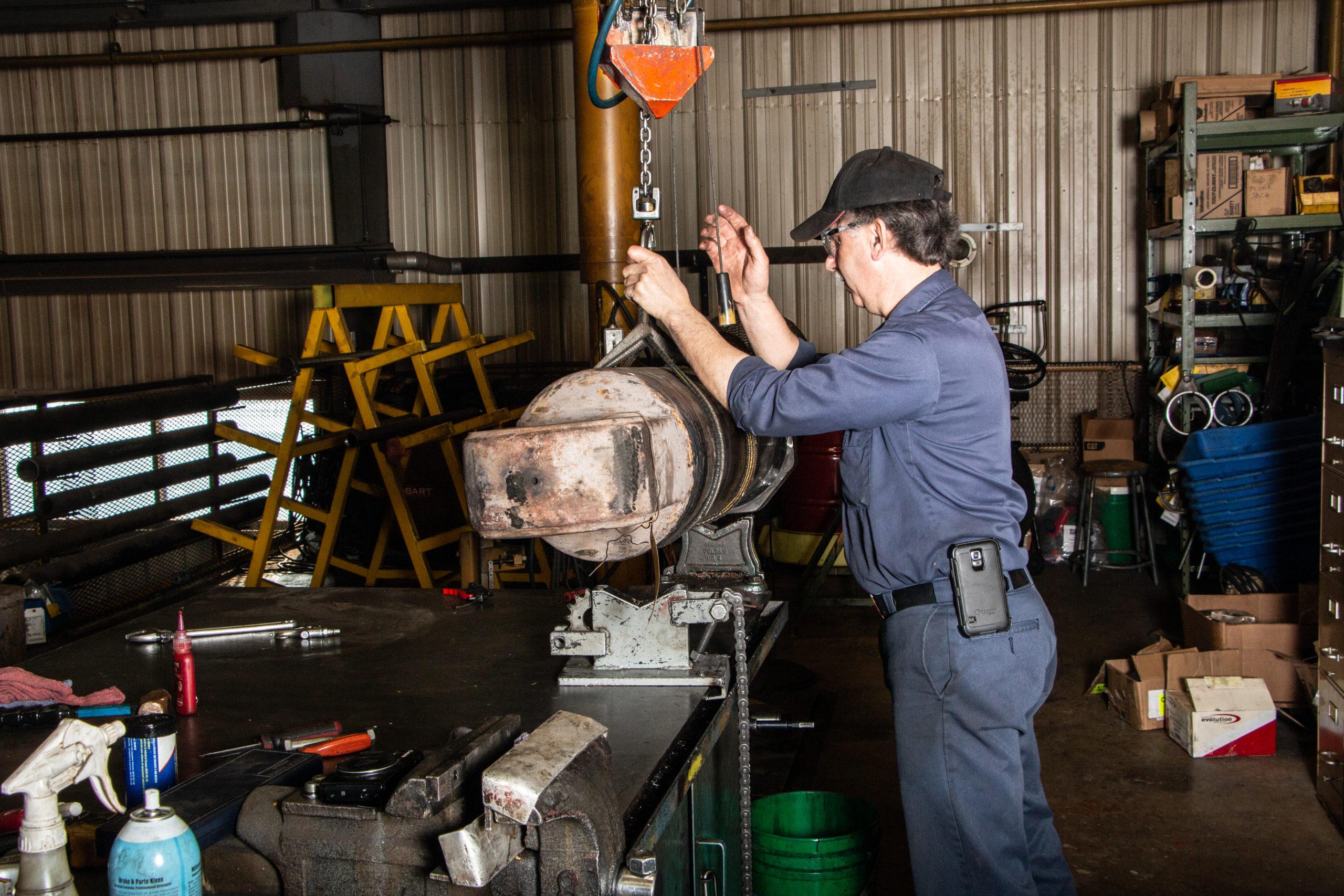 Caterpillar scooptram loader cylinder repair for Alamos Gold