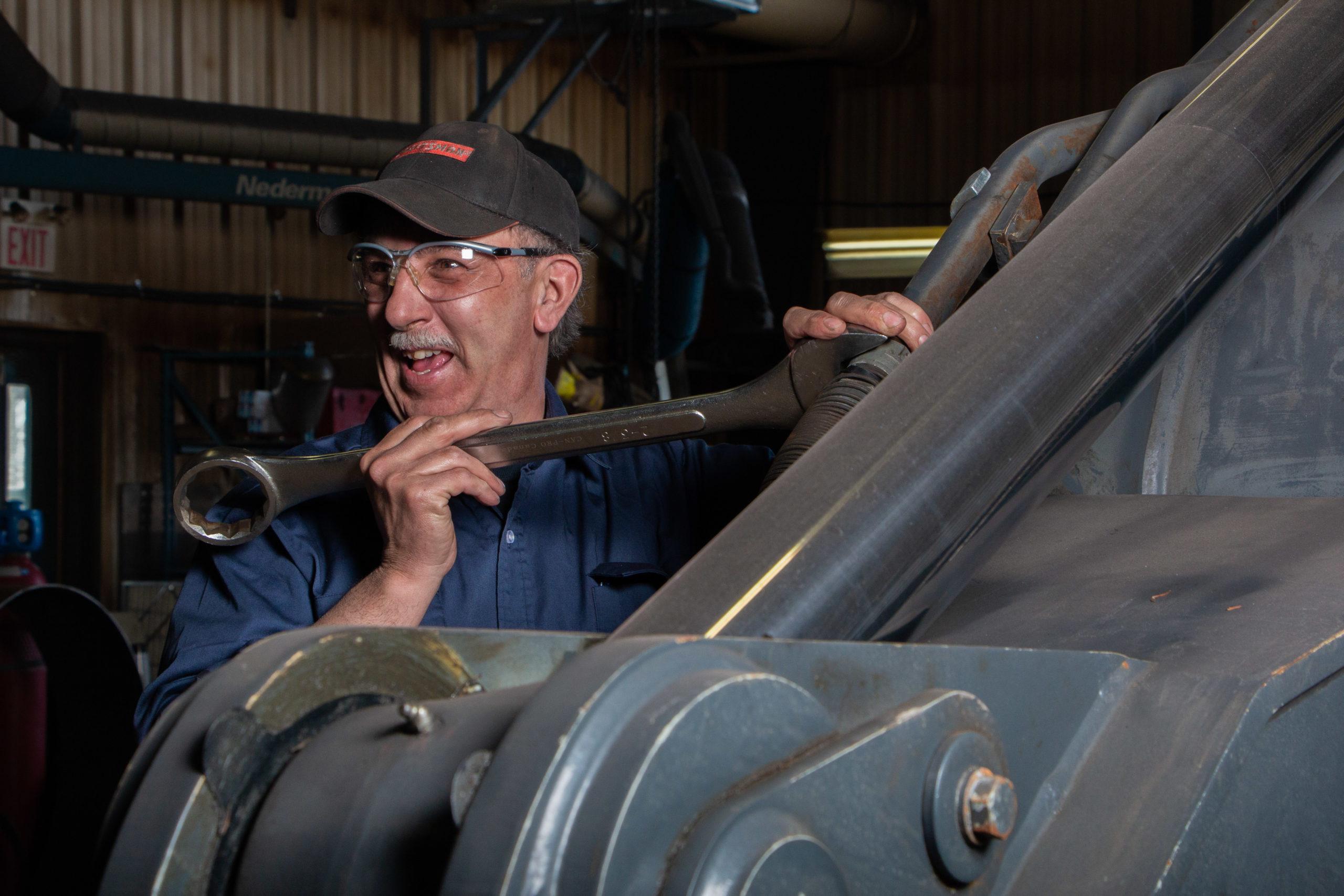 Excavator hydraulic system repair